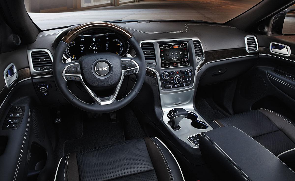 FERIA INTERNACIONAL DEL AUTOMOVILISMO,AUTOS TUNING-http://estaticos02.cache.el-mundo.net/elmundomotor/imagenes/2013/10/04/coches/1380886204_extras_ladillos_5_g_1.jpg