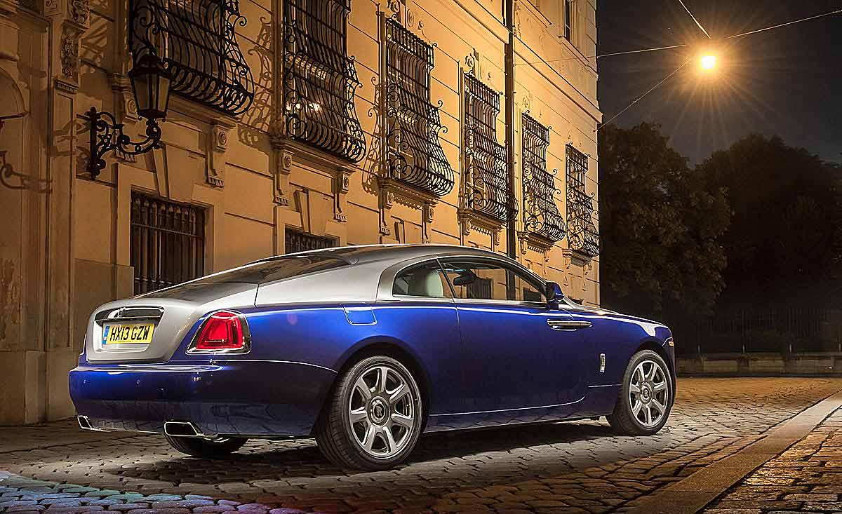FERIA INTERNACIONAL DEL AUTOMOVILISMO,AUTOS TUNING-http://estaticos02.cache.el-mundo.net/elmundomotor/imagenes/2013/10/09/coches/1381336391_extras_ladillos_5_g_1.jpg