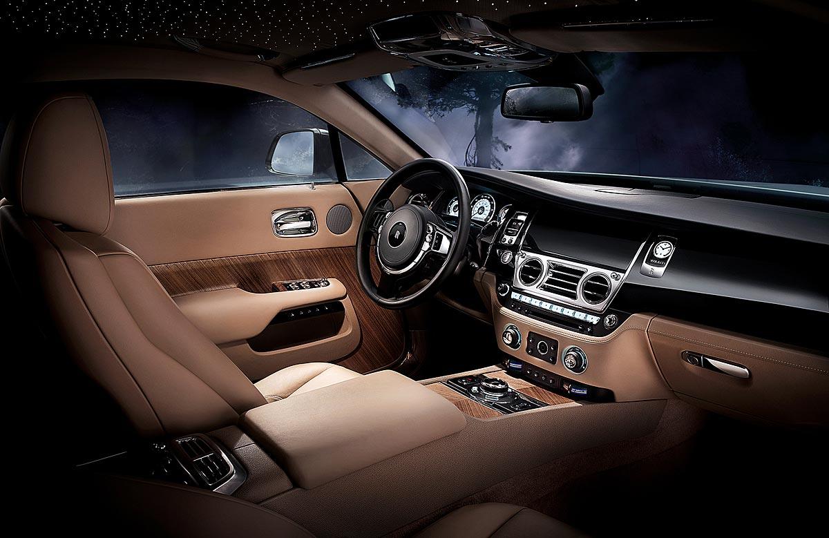 FERIA INTERNACIONAL DEL AUTOMOVILISMO,AUTOS TUNING-http://estaticos02.cache.el-mundo.net/elmundomotor/imagenes/2013/10/09/coches/1381336391_extras_ladillos_6_g_0.jpg