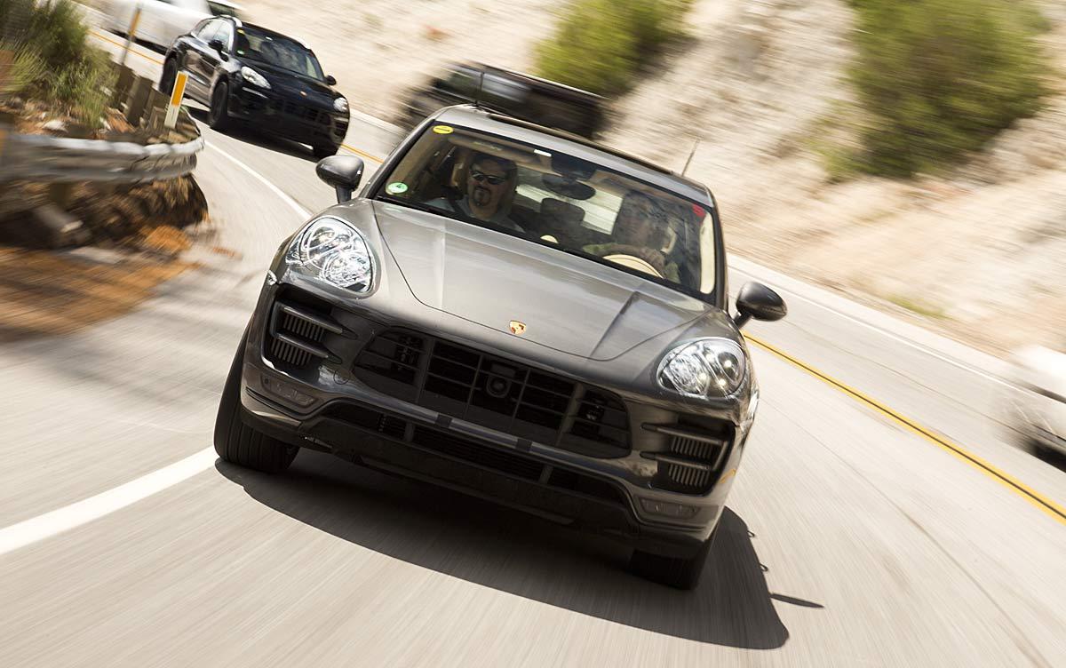 FERIA INTERNACIONAL DEL AUTOMOVILISMO,AUTOS TUNING-http://estaticos02.cache.el-mundo.net/elmundomotor/imagenes/2013/10/24/coches/1382611842_extras_ladillos_1_g_0.jpg