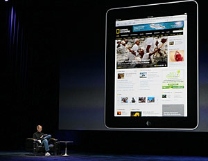 Steve Jobs durante la presentación del 'tablet PC' de Apple. (Foto: AFP)