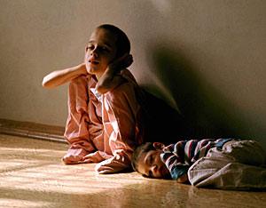 Dos niños en un internado de Moscú. (Foto: Reuters)