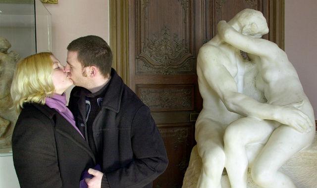 Pareja besándose. | Efe
