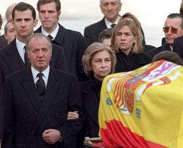 Funerales de la Realeza - Página 2 Principe13