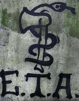 Asfixiando a la serpiente de ETA desde la página «putalocura»