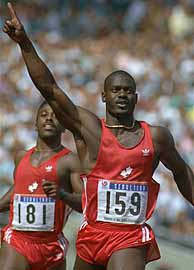 Ben Johnson, entra en meta en Sel'88 donde gan el oro.