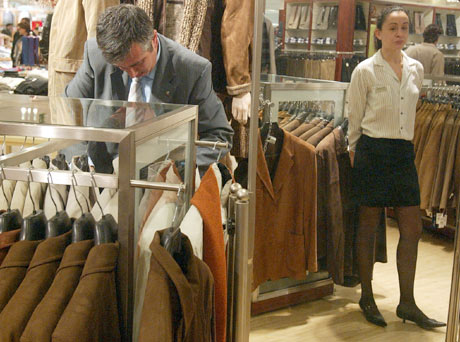 CCOO denunció que las inspecciones de trabajo han acreditado la discriminación salarial y profesional de las mujeres en El Corte Inglés. (Foto: Antonio Heredia)