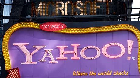 google - YAHOO. MICROSOFT vs GOOGLE 1209862521_0