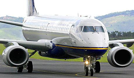 El E-195 es el mayor avión de su gama al contar con 122 asientos. (Foto: EMBRAER)