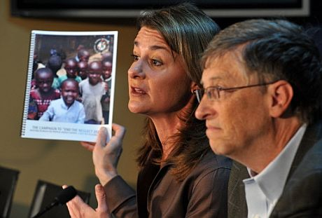 Bill Gates y su mujer Melinda en el Foro de Davos. | Afp