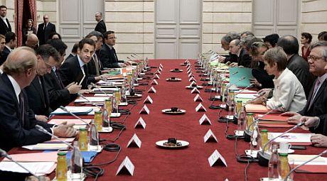 Nicolas Sarkozy, reunido con la patronal y el sindicalismo francés. | AFP