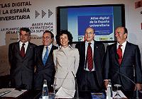 De izqda. a dcha. Pedro Reques, Juan Vázquez, Mercedes Cabrera, Federico Gutiérrez-Solana y Emilio Botín, en la presentación del estudio. / KIKE PARA