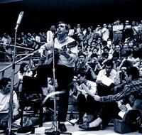 1968. Raimon se convirtió en la voz contra el franquismo.