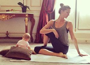 Gisele Bündchen practicando Yoga en compañía de su hija Vivian. (Foto: Instagram).