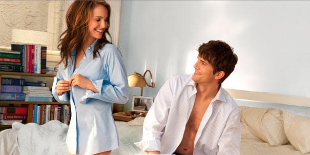 Natalie Portman y Ashton Kutcher en la película 'Sin compromiso'.